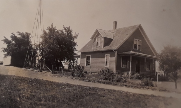 1928 august - house (800x479)