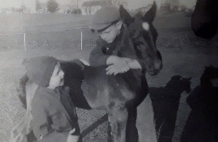 1924 april - with glenn and horse